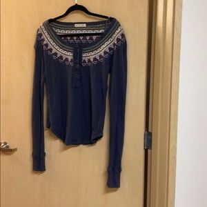 •LOW PRICE MAKE OFFER• $129 RETAIL EMBROIDERED TOP